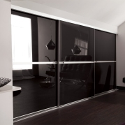SPR_Black-Glass_Loft_Minimalist